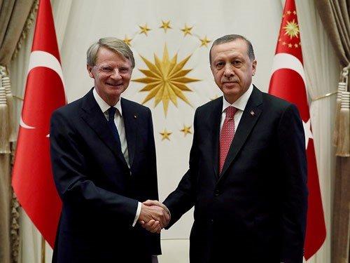 Hollanda Ankara Büyükelçisi'ni geri çekti!