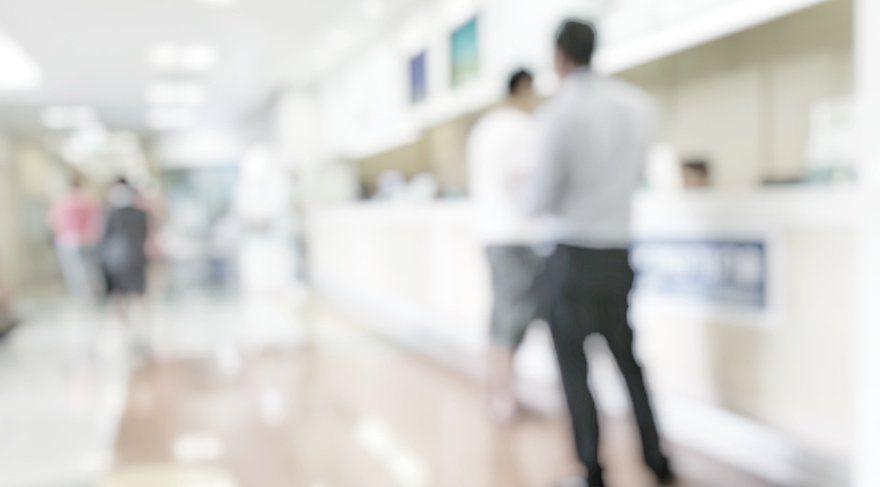 ANKET: Müdüründen izin almadan bankaya gitti, işten kovuldu
