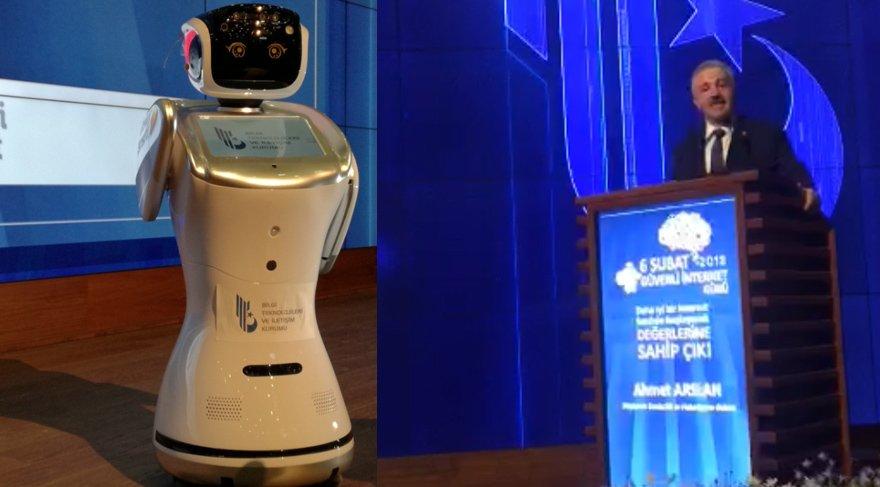 Bakan Arslan robotla tartıştı! Robot: 'Ne diyorsun anlamıyorum'
