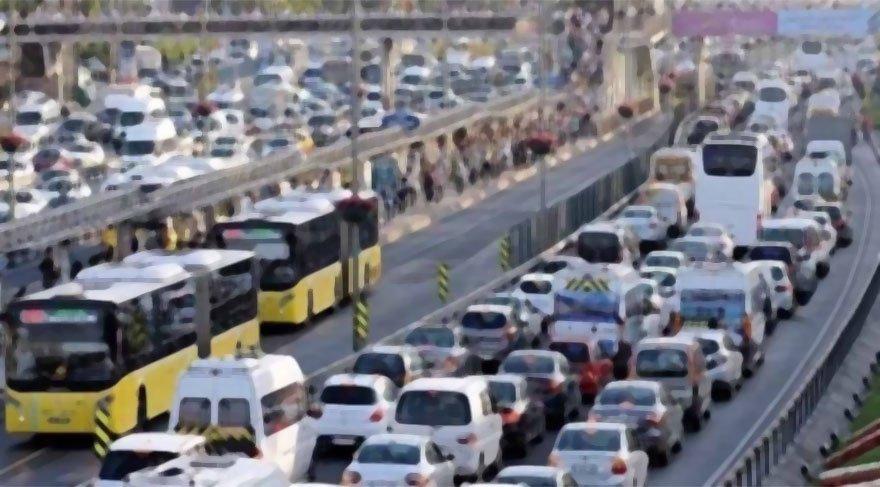 İBB: Bu sabah 16 bin servis aracı trafiğe çıkacak