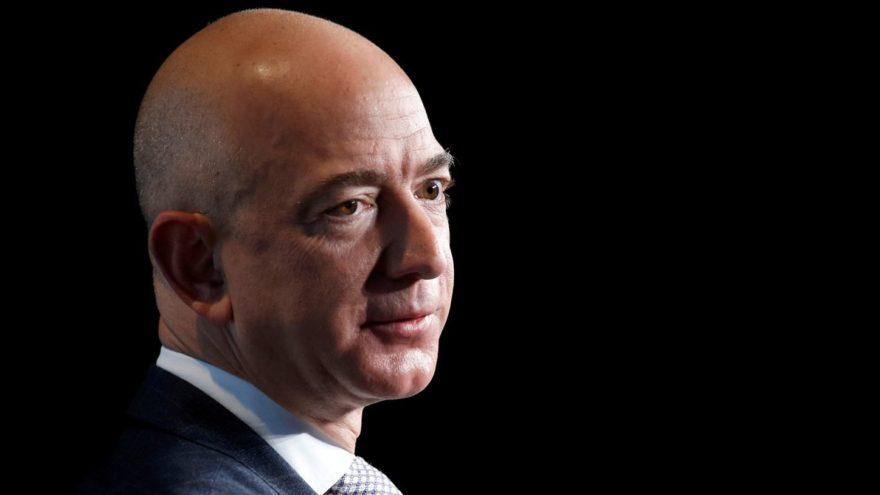 Dünyanın en zengin adamı yüzlerce kişiyi kovmaya hazırlanıyor