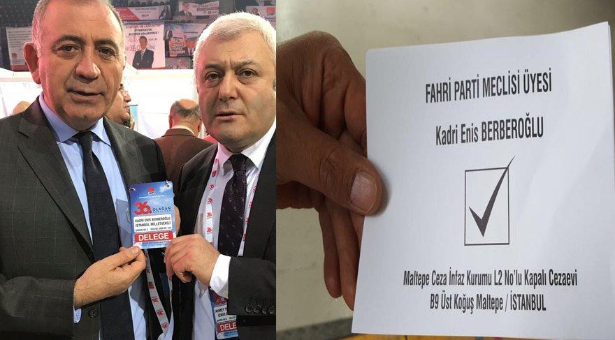 Kurultayın ikinci gününde tutuklu milletvekili Enis Berberoğlu da unutulmadı. Berberoğlu anısına simgesel oy pusulası dağıtıldı.