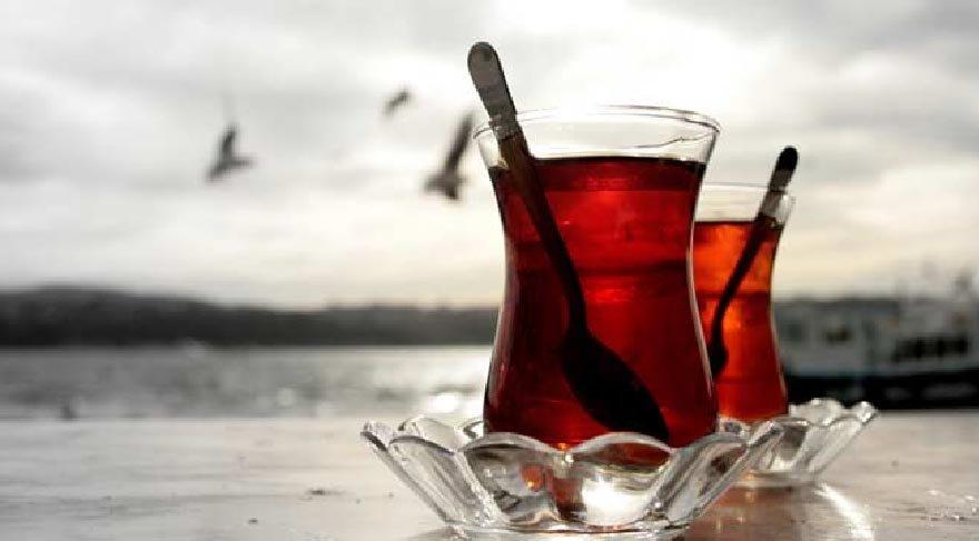 Sıcak çay, sigara içenlerde ve alkol kullananlarda yemek borusu kanserine neden oluyor!