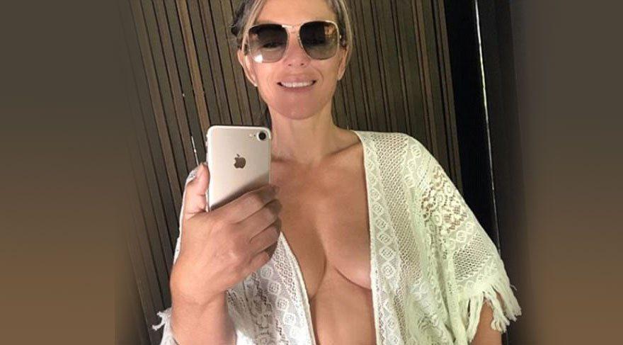 Elizabeth bikini üzerini çıkardı
