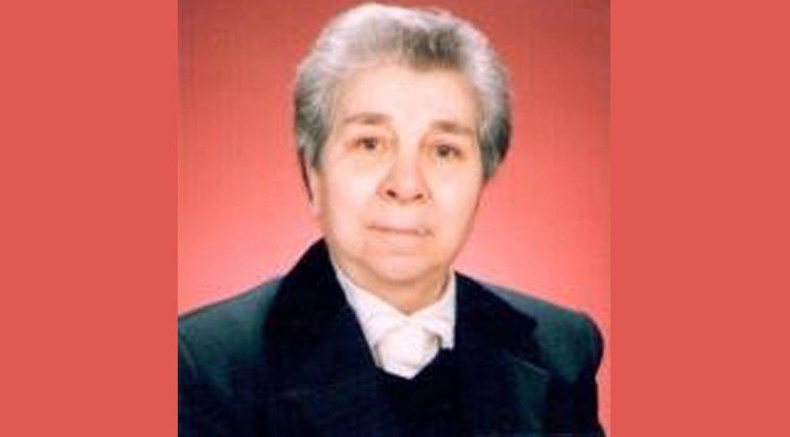 Telefon dolandırıcılarının son kurbanı Profesör Esin Cantez oldu.