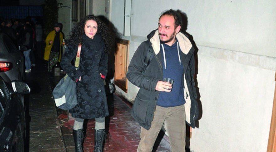 Kemal Sunal'ın kızı Ezo Sunal, Ömer Öztüyen ile dünyaevine girdi!