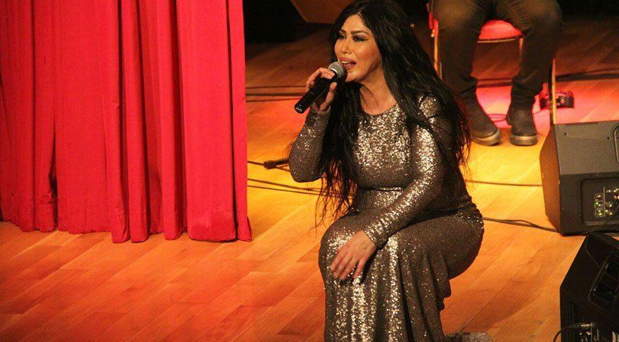 Nur Ertürk, sahnede Nuray Hafiftaş için dua istedi