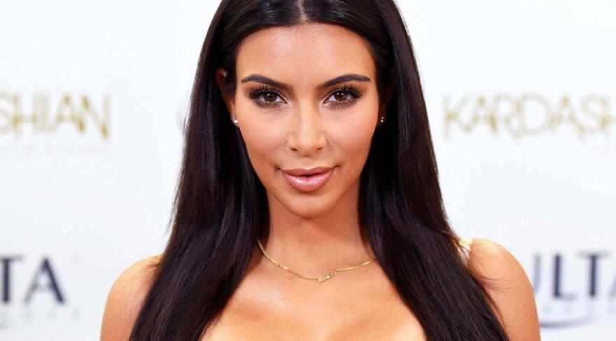 Kim Kardashian'ın bebeğiyle ilk gezintisi