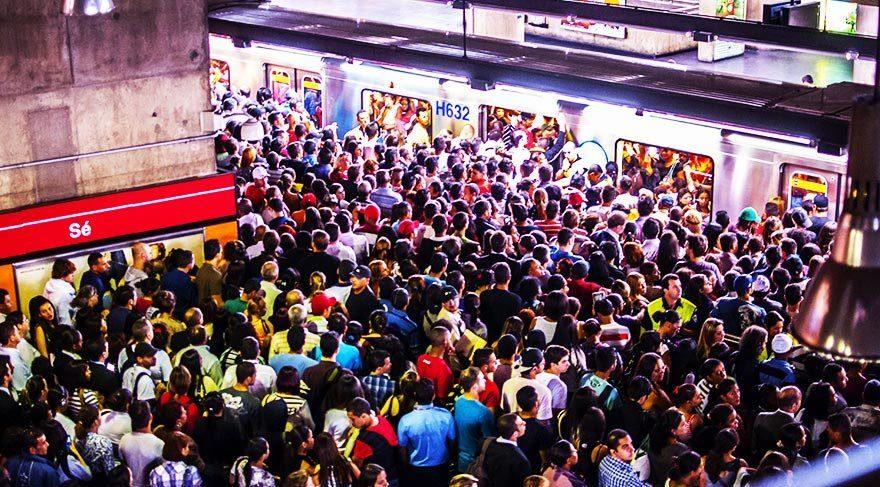 Sao Paulo metrosunda nefes almak bile zor