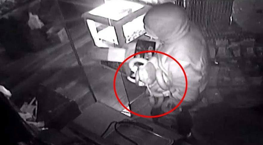Markete et çalmak için giren hırsızlar bakın ne çaldı?
