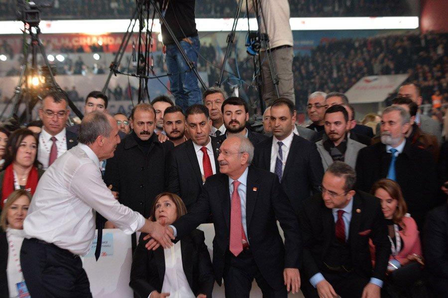 FOTO:SÖZCÜ - Konuşmaların ardından İnce ile Kılıçdaroğlu böyle tokalaştı.