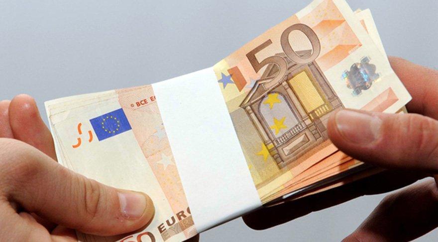Dolar ne kadar oldu? Euro rekor kırdı