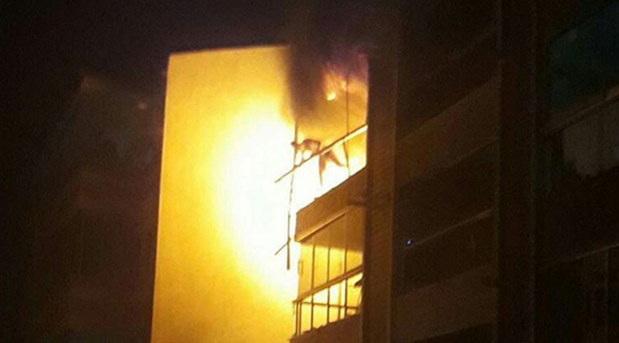 Denizli'de bir apartmanda patlama oldu