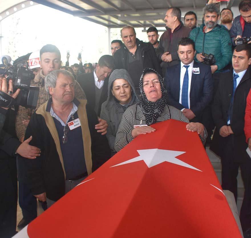 Şehit annesi Fatma Akdoğan,