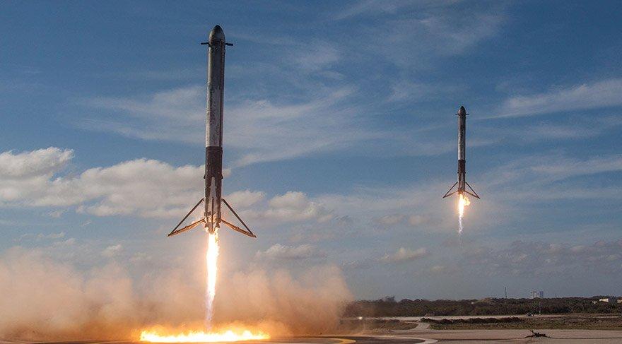 Yeniden kullanılabilir roketler fırlatmadan 8 dakika sonra dünyaya döndü. Fotoğraf: Reuters