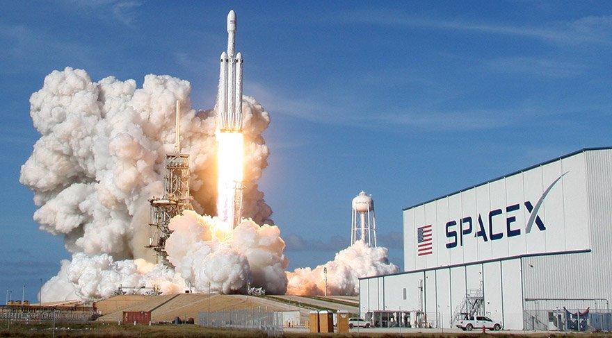 GRAFİK: Falcon Heavy nasıl tarih yazdı?