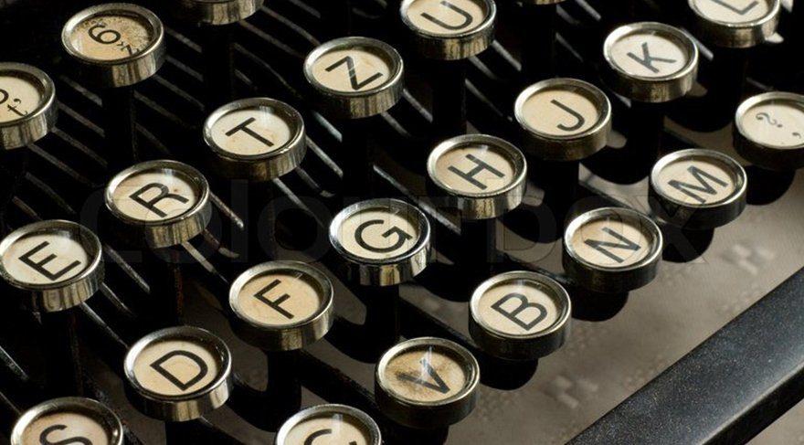 Edebiyat tutkunları ile yazarlar bir arada