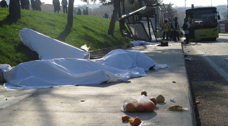 Son dakika: İstanbul'da otobüs durağa girdi: 3 kişi hayatını kaybetti... Kaza anı kamerada