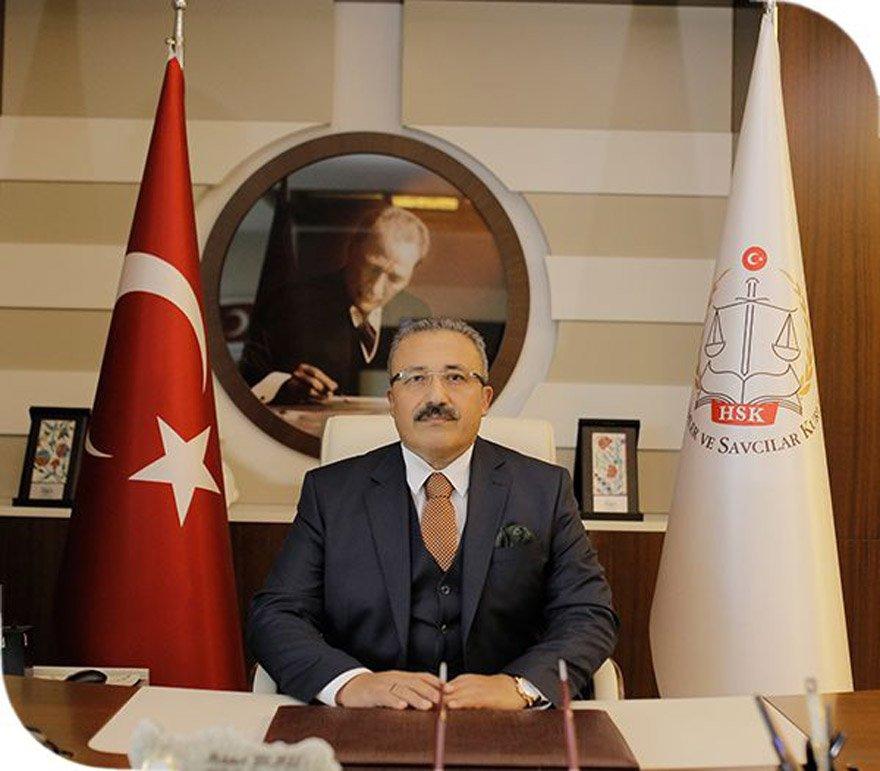 """HSK Başkanvekili Mehmet Yılmaz, """"Her hukukçunun yüreği, tarafsız yargı, adil yargılama ve adalet ülküsüyle yanmalıdır"""" dedi."""