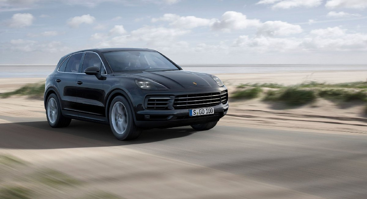 2019-porsche-cayenne-photos-and-info-news-car-and-driver-photo-688724-s-original-kopya