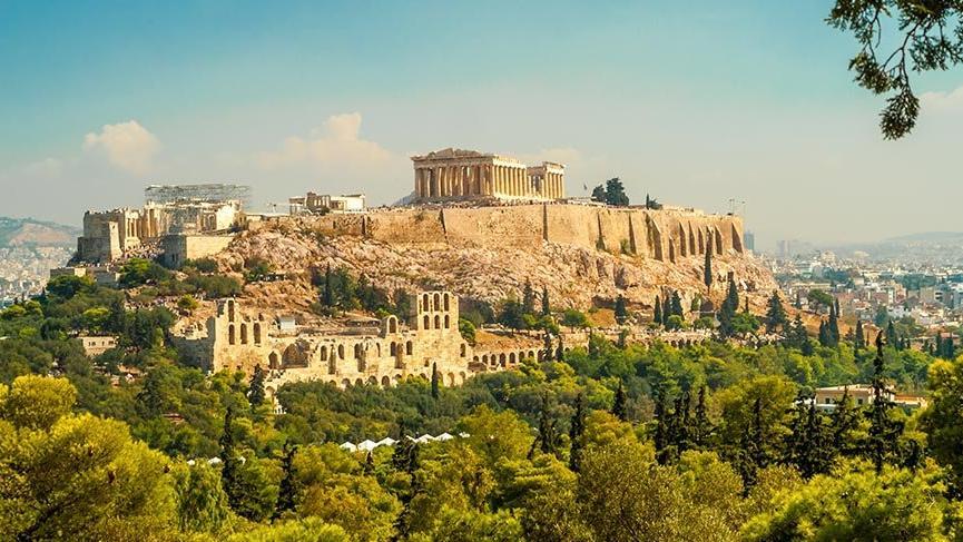 Tarihi bugüne taşıyan şehir Atina