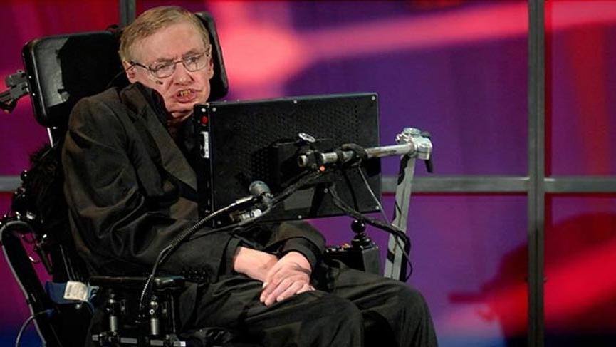 Hawking'e veda... Binlerce kişi törene akın etti