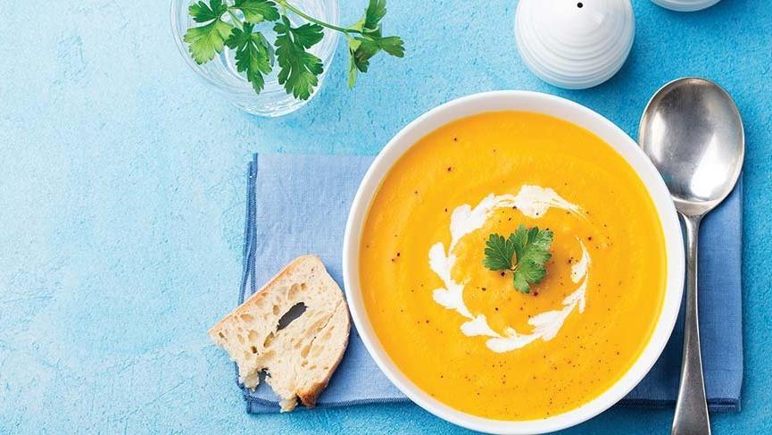 Aynı çorbalardan sıkılanlar için eşit çeşit çorba tarifleri | İşte pratik yoğurtlu, şehriyeli çorba tarifleri…