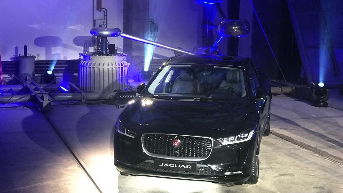 İşte Jaguar'ın ilk elektrikli otomobili : I-Pace!