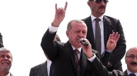 AKP'den ilk açıklama: Bozkurt yapmadı...