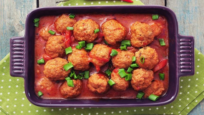 Fırında köfte patates tarifi: Her sofrayı kurtaran, fırında köfte patates nasıl yapılır?