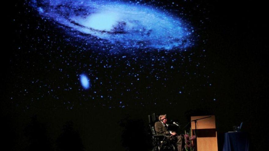 Dünya Stephen Hawking'e ağlıyor