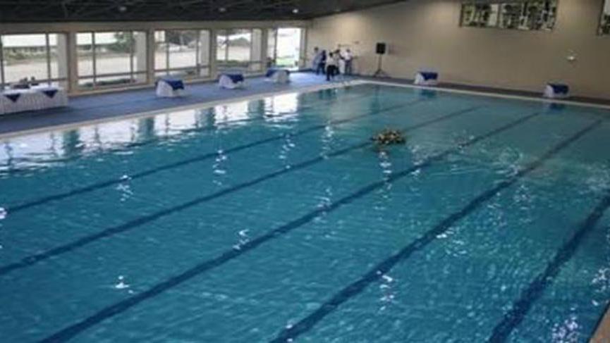 Üniversitede haremlik-selamlık havuz