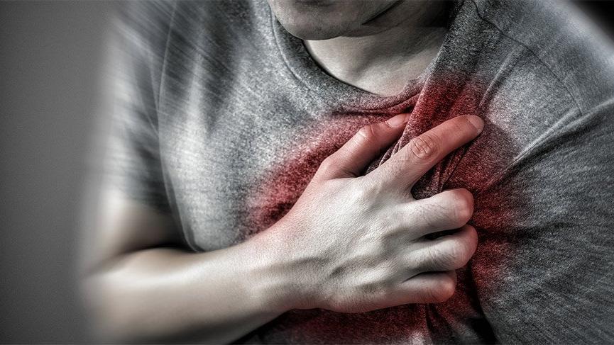 Aslında vücudunuz kalp krizini 1 ay önceden size haber veriyor!