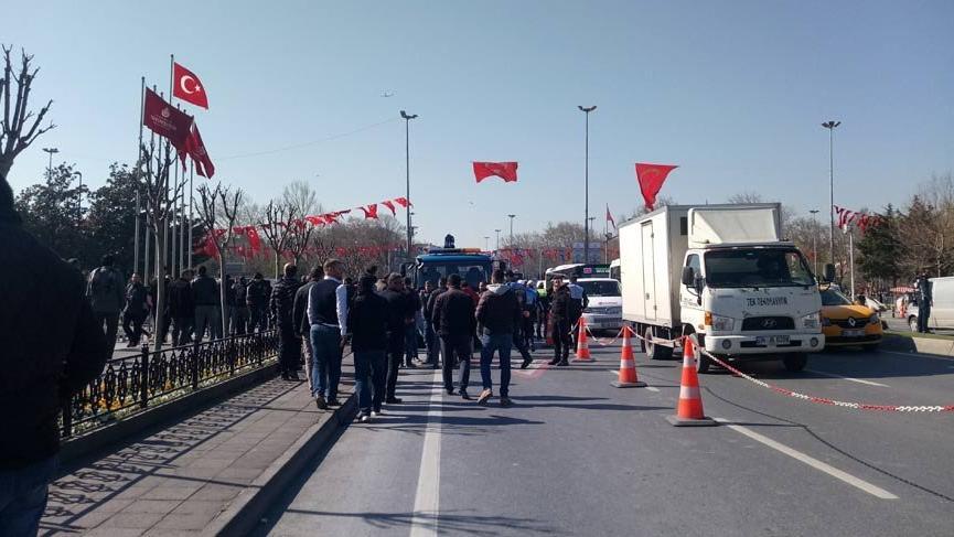 Hafriyat kamyonları İstanbul'da kontak kapattı