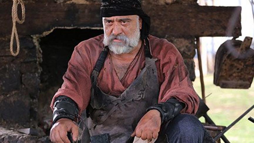 Oyuncu Mehmet Çevik, Çiftlik Bank?a böyle yatırımcı kazandırıyormuş? ?Beyaz sakallarıma hürmet edin?