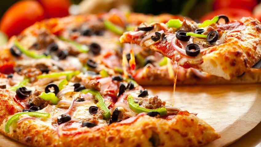Pizza börek tarifi | Bir dilim pizza kaç kalori?
