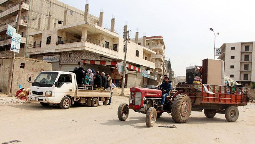 Türk askerlerinin girdiği Afrin'e siviller dönmeye başladı