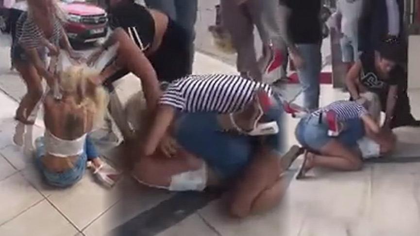Beylikdüzü'nde rezalet! Kadınların sokak kavgası şoke etti