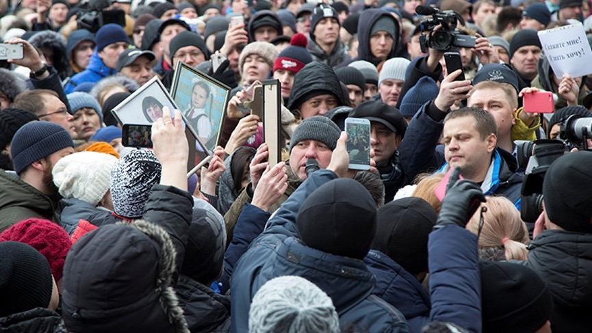 Rusya isyan etti! Binlerce insan protesto için sokakta...