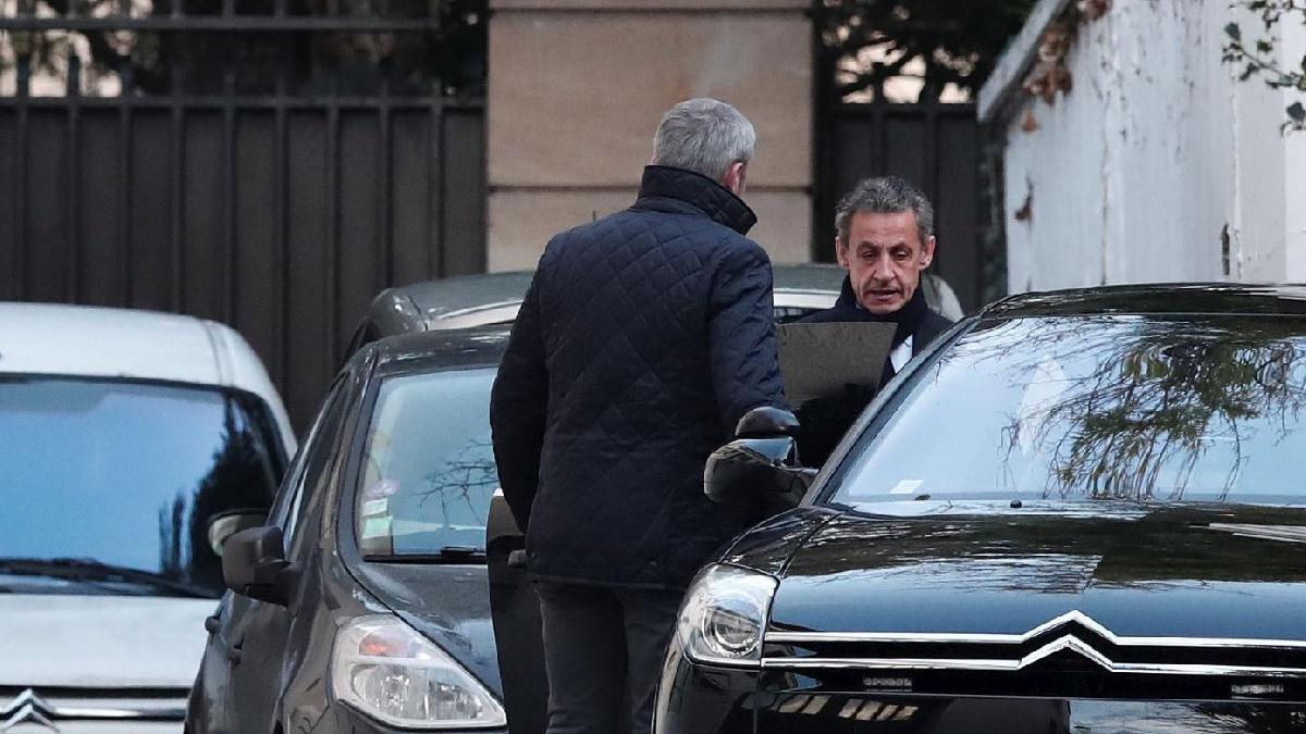 Sarkozy tekrar sorgulanıyor