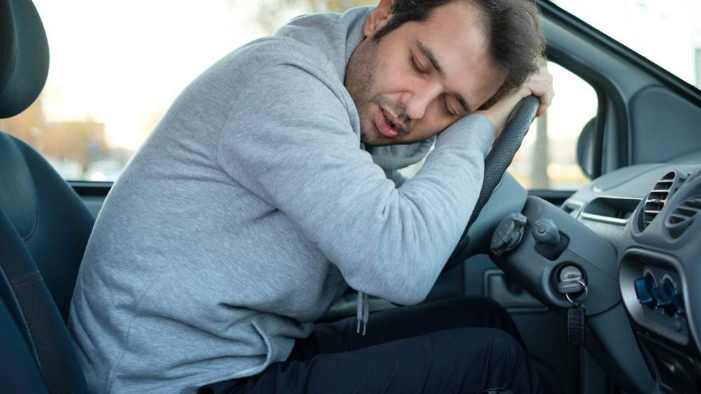 Gündüz uykusuna dikkat! Narkolepsi nedir?