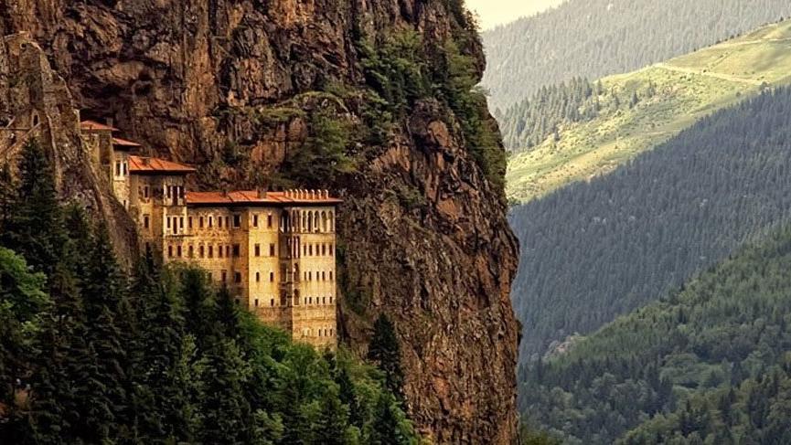 Trabzon'da gezilecek yerler: Sümela Manastırı, Trabzon Kalesi, Uzun Göl ve dahası…