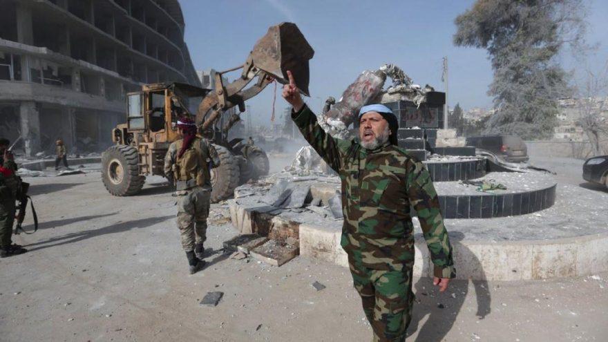 Afrin kent merkezinin kontrolü TSK'da… Dünya sıcak gelişmeyi böyle gördü