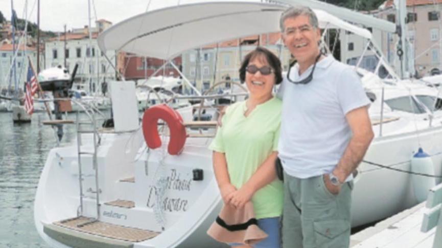 Denizci doktor dernek kurdu, Türkiye'yi dünyaya tanıtıyor