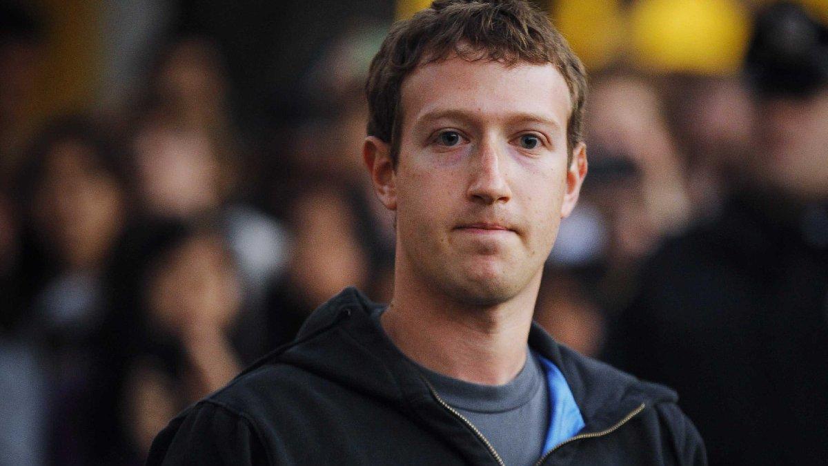 Facebook'a darbe üstüne darbe... Teker teker siliyorlar!
