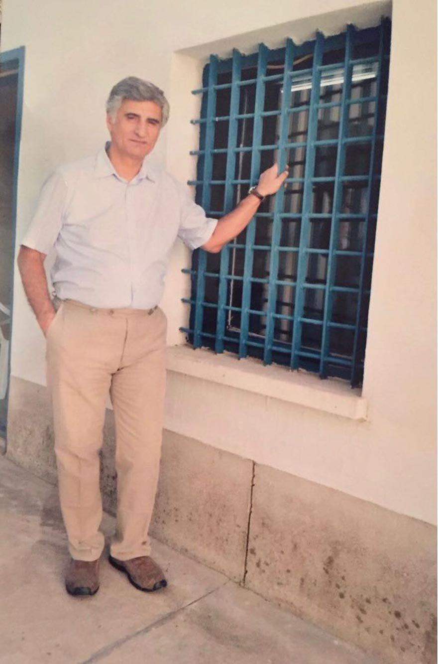 Prof. Fatih Hilmioğlu Silivri Cezaevi'nde yatarken evlat acısı yaşadı. Sağlığını kaybetti.
