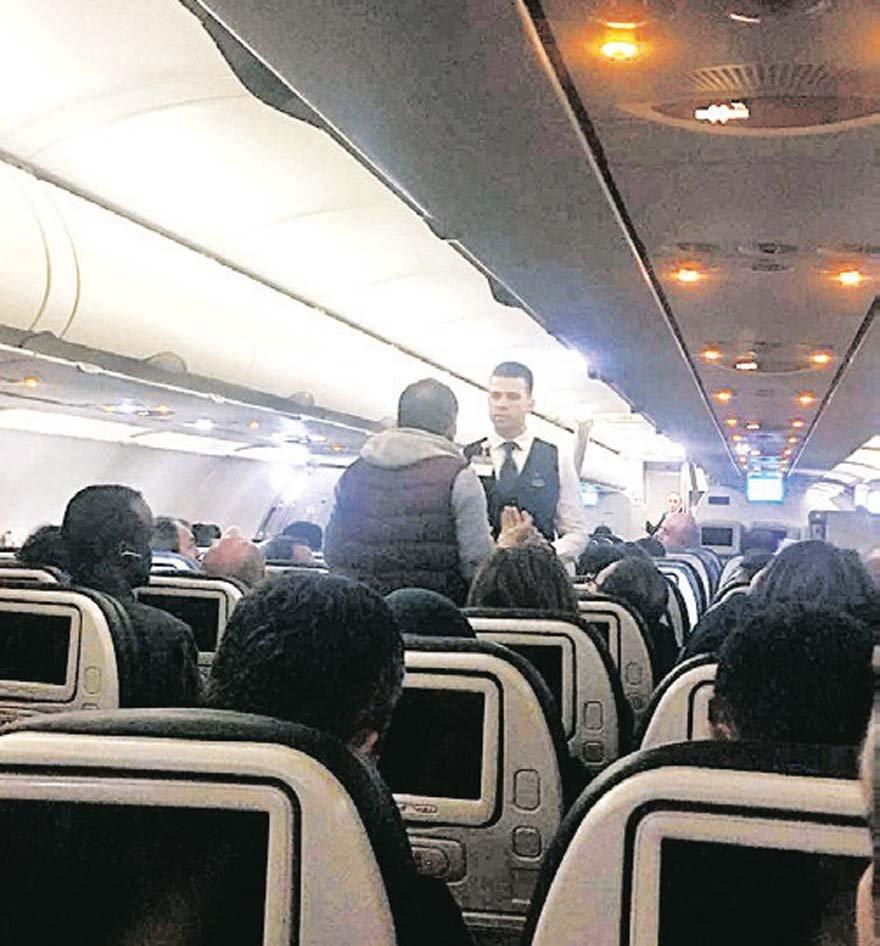 YOLCULAR FENALAŞTI Yakıt skandalı ve uzun bekleyiş nedeniyle bazı yolcular fenalık geçirdi. Tansiyonu düşen bir yolcuya müdahale edildi.