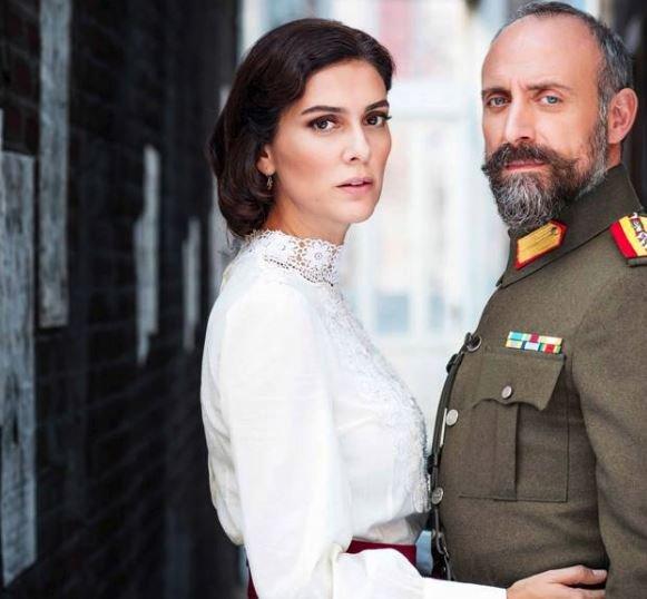 Yayından kaldırılan dizinin başrollerini Berguzar Korel ve Halit Ergenç üstleniyor.