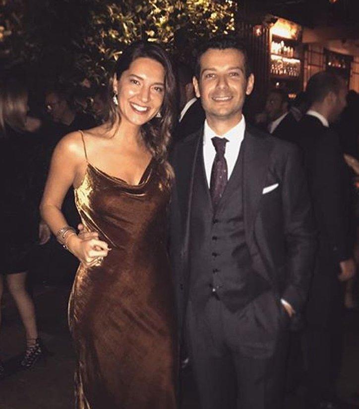Uçak kazasında yaşamını yitiren Zeynep Coşkun nişanlısı Arda Efe ile 12 Mayıs'ta İstanbul'da evlenecekti.