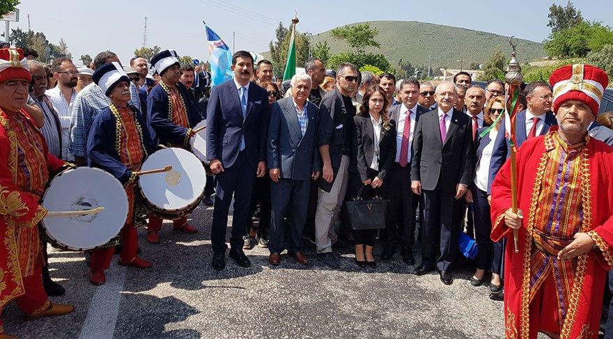 CHP liderini Kırıkhan'da mehter takımı karşıladı.